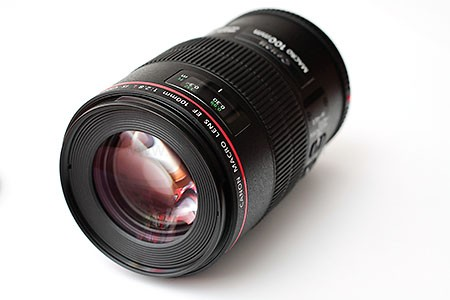 canon 100mm f2.8 macro is