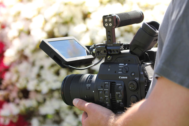 canon-c300-mkii-smallhd-camera-fierld-monitor