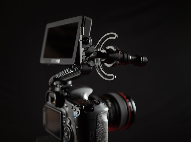 rode-videomicro-dslr-smallhd-focus-external-monitor