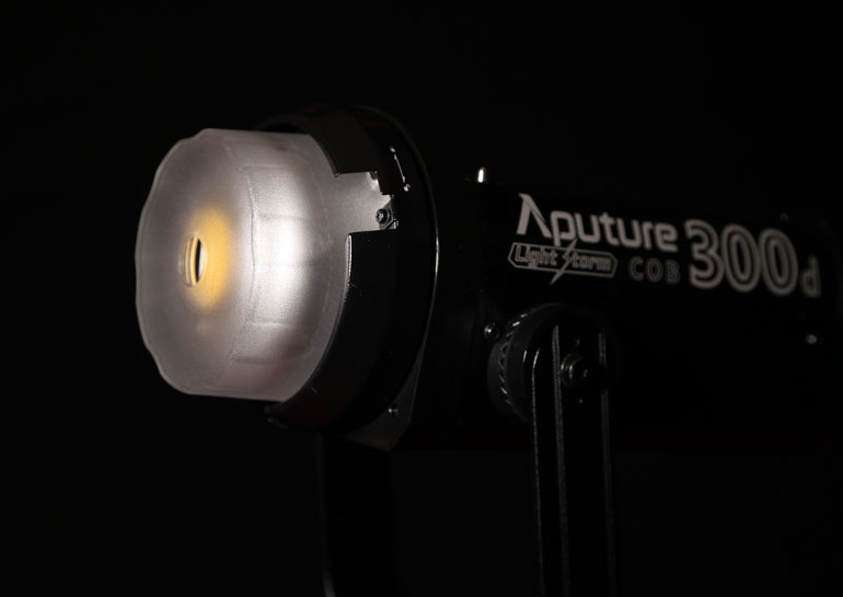 aputure-300d-cover