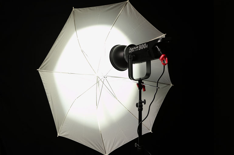 aputure-300d-umbrella-diffusion