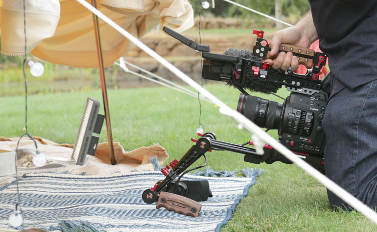 zacuto-monitor-mounting-kit-for-c300