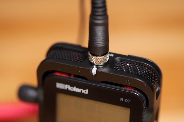 roland-r07-lav-mic-input-jack