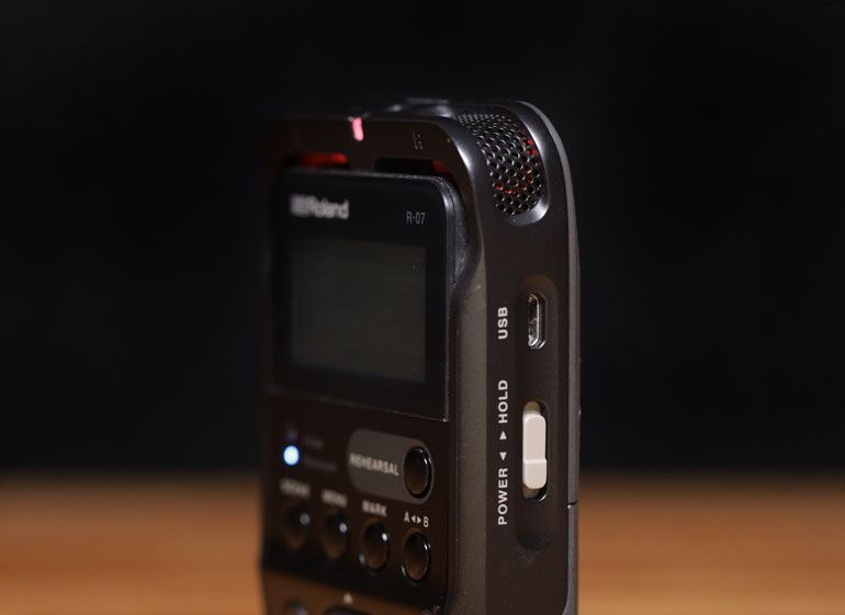 roland-r07-usb-power