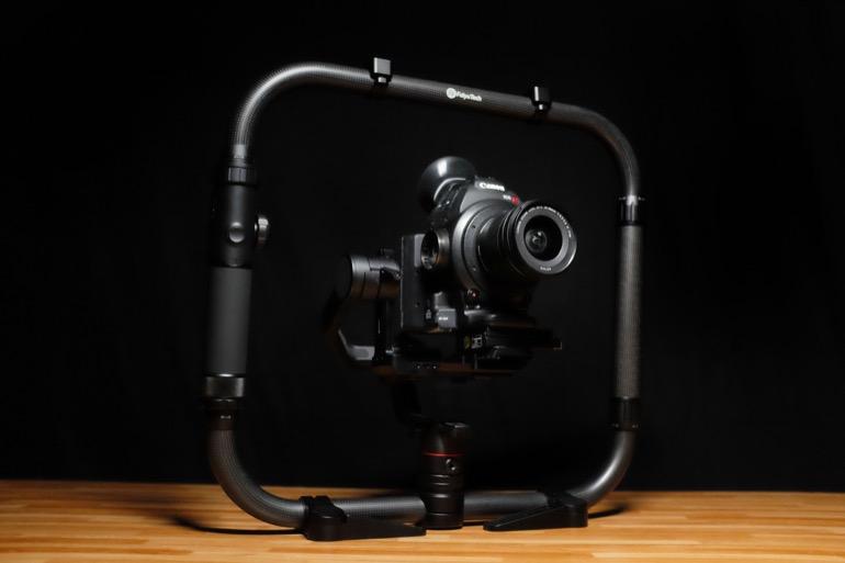 feiyu-ak4000-gimbal-canon-c100-cinema-camera