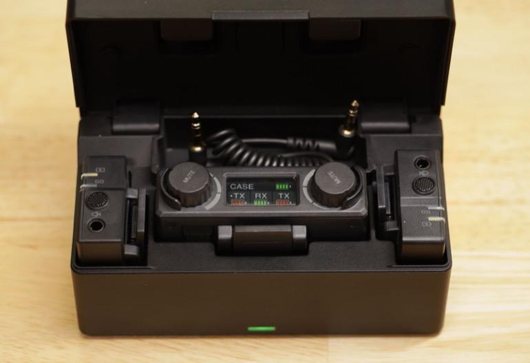 hollyland-lark-150-charging-case